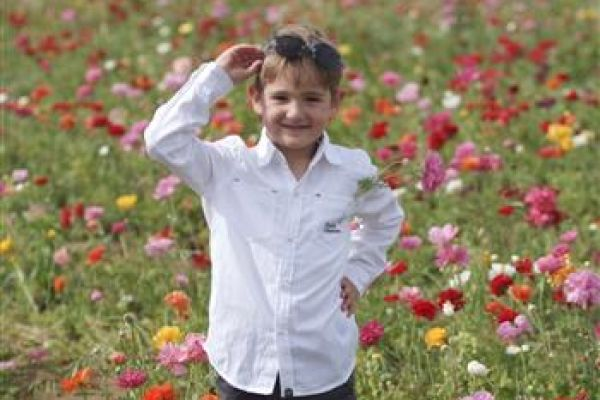 childrenphoto0533A92F8D-19A7-7CA0-5FD2-8AB2D58AB0DE.jpg